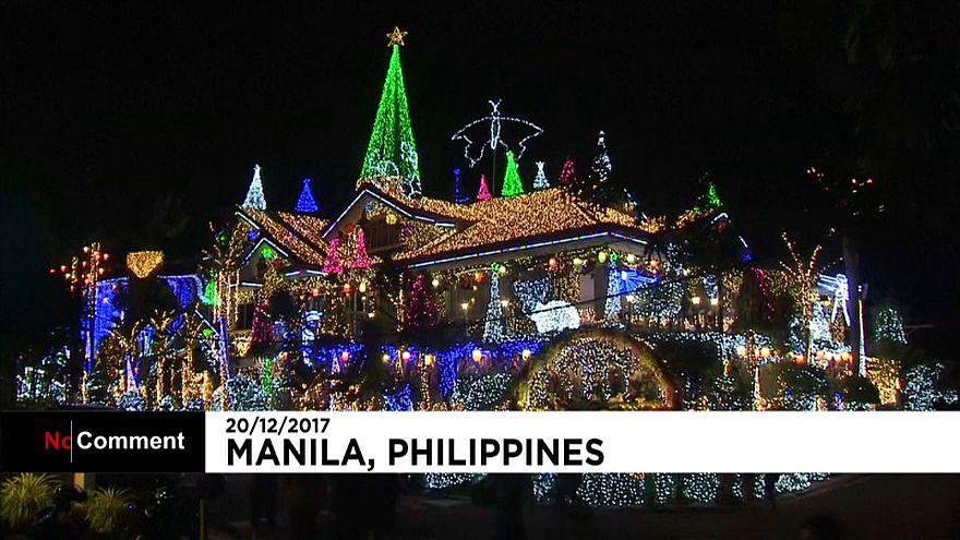 Óriás fényfüzérekkel idézik meg a karácsonyt a Fülöp-szigetekiek