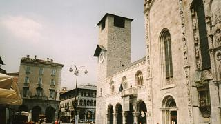 Italy: Como bans begging in the city centre during Christmas