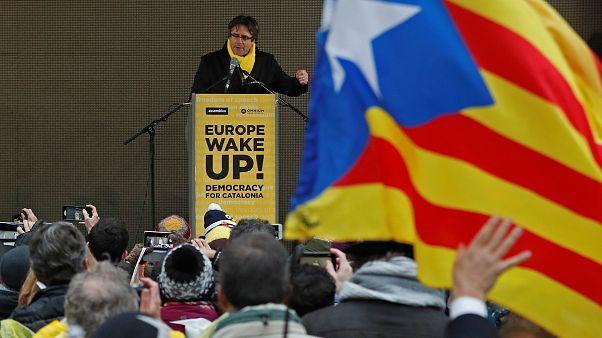 Bağımsız bir Katalonya isteyen lider Carles Puigdemont kimdir?