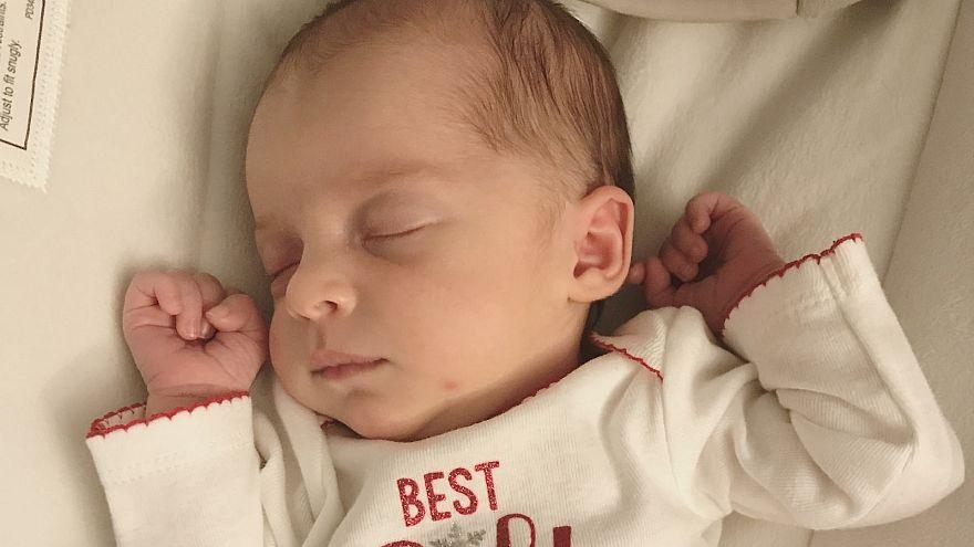 الطفلة المولودة إيما جيبسون