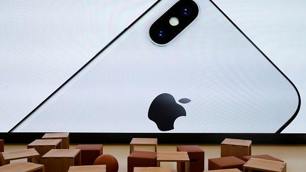 Apple, eski iPhone modellerini bilerek yavaşlattığını kabul etti
