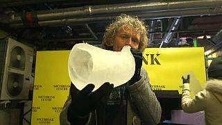 Norueguês criou instrumentos musicais feitos apenas de gelo