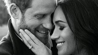 Prens Harry ve Megan Markle'nin yeni nişan fotoğrafları yayınlandı