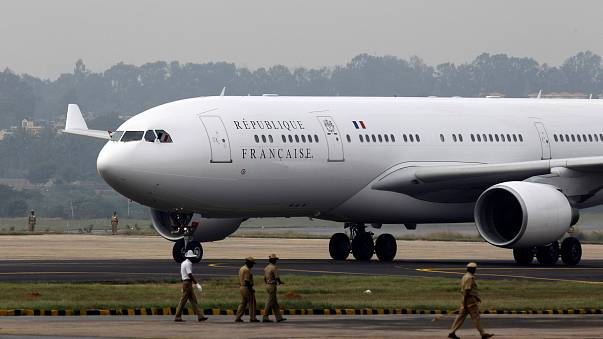 L'Air Force One de Macron attendra