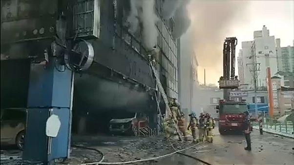 Tűz egy dél-koreai sportközpontban