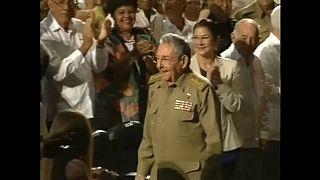 Raúl Castro prolongará su legislatura dos meses más