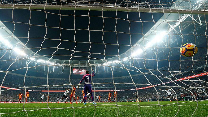 Galatasaray Fatih Terim ile görüşmeye başladıklarını açıkladı