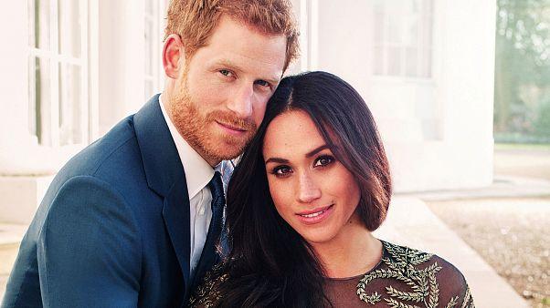 Íme a hivatalos eljegyzési fotók Harry hercegről és menyasszonyáról