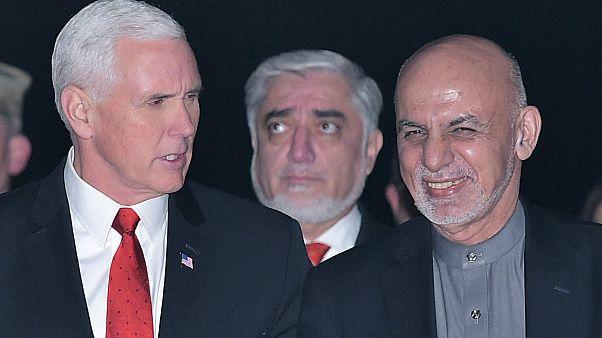مایک پنس در کنار اشرف غنی و عبدالله عبدالله