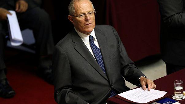 Perù: il Presidente si salva dall'impeachment