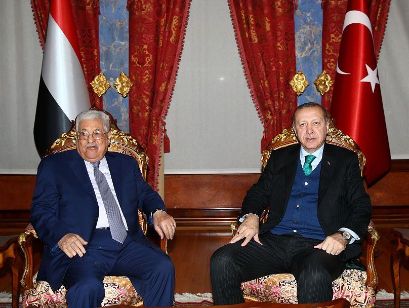 رئیس تشکیلات خودگردان فلسطین در کنار رئیس جمهوری ترکیه