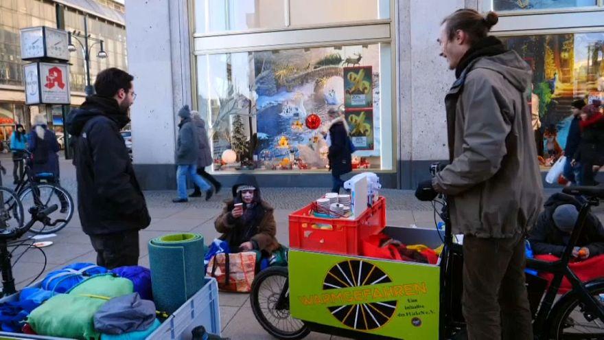 """""""Warmgefahren"""": Kältehilfe auf Rädern in Berlin"""