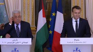 Macron & Abbas deplore US shift on Jerusalem, pledge to pursue peace