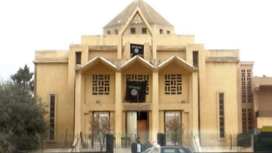 كنيسة سيدة البشارة في مدينة الرقة بسوريا