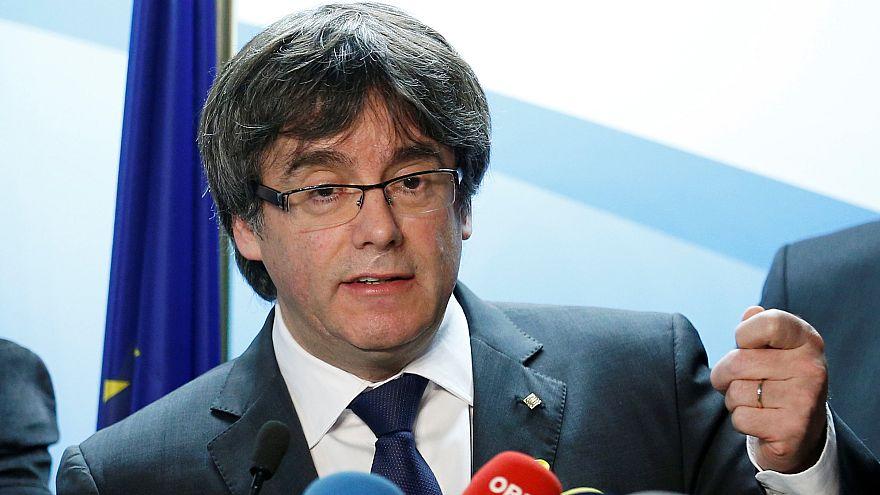 Puigdemont propose à Rajoy de le rencontrer hors d'Espagne