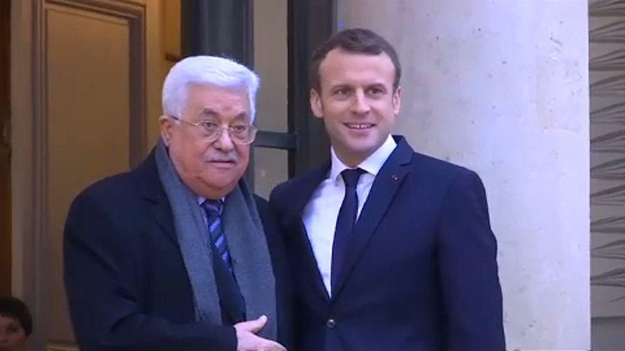 Macron és Abbász is Trump ötletét bírálta