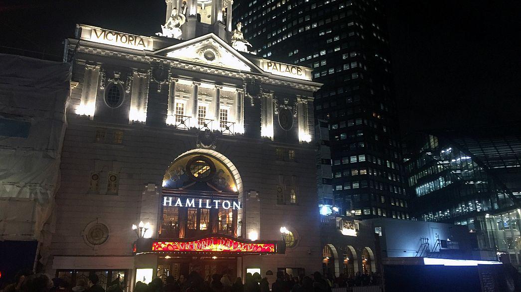 Hamilton Müzikali Londra'da galasını yaptı