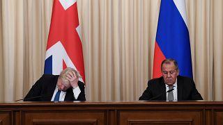 Face-à-face tendu entre Boris Johnson et Sergueï Lavrov