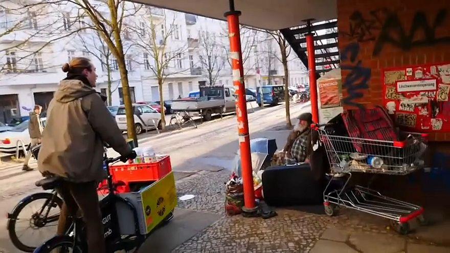 Bicicletas solidárias ajudam sem-abrigo em Berlim