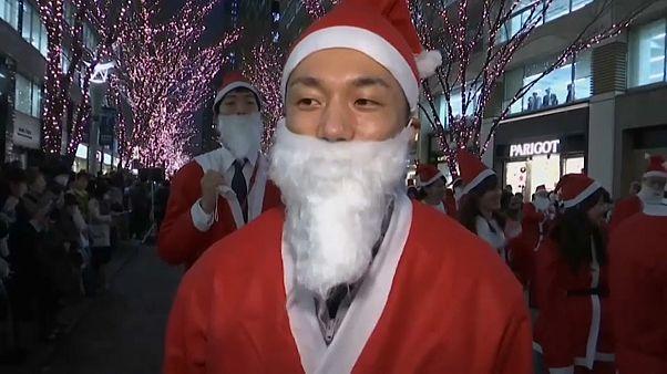 Tokios tolle Weihnachtsmänner