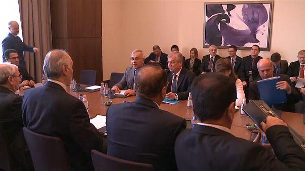 Conversações de paz sobre a Síria continuam em janeiro