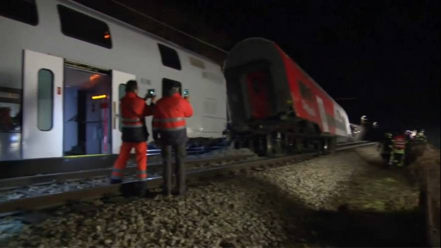 Dos heridos graves en un choque de trenes en Viena