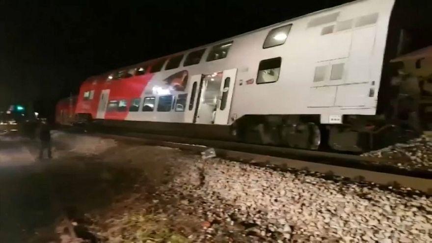 Два пассажирских поезда столкнулись недалеко от Вены
