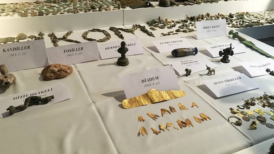 Artefacts rescued by Turkish police in an operation against smugglers