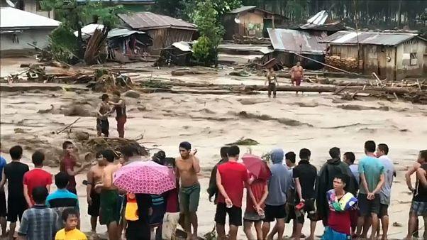 Filipinler'de heyelan: En az 180 ölü