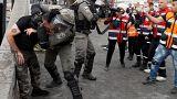 الشرطة الإسرائيلية تعتقل محتجا قرب مستوطنة بالضفة الغربية يوم الجمعة.