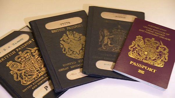 جدل في بريطانيا بسبب لون جواز السفر بعد بريكست