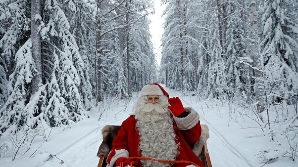 Noel Baba iş başında