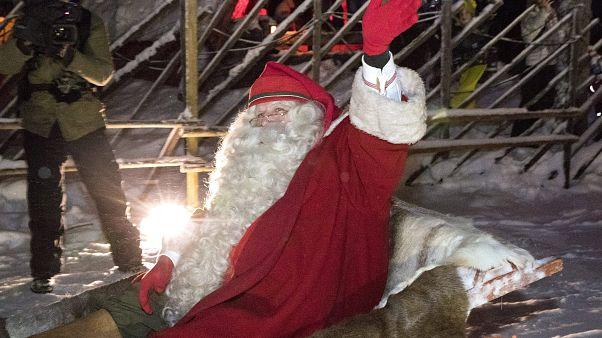 Weihnachtsmann, Krippenspiel und Väterchen Frost: Jahresendfeiern haben begonnen