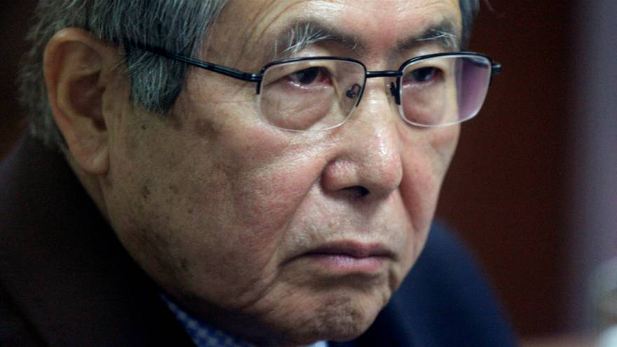 Alberto Fujimori é transferido para o hospital