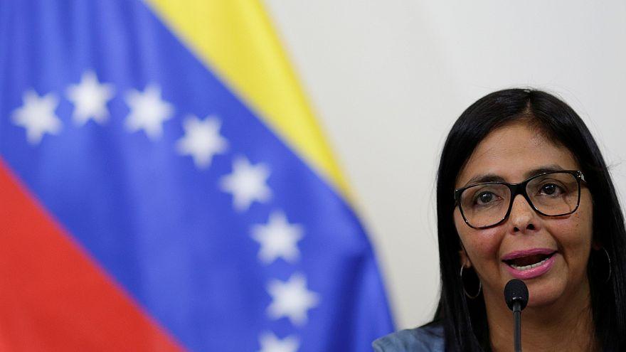 Caracas anuncia libertação de detidos e declara embaixador brasileiro persona non grata