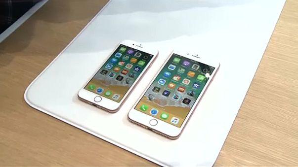 Per indul az Apple által lassított iPhone-ok miatt
