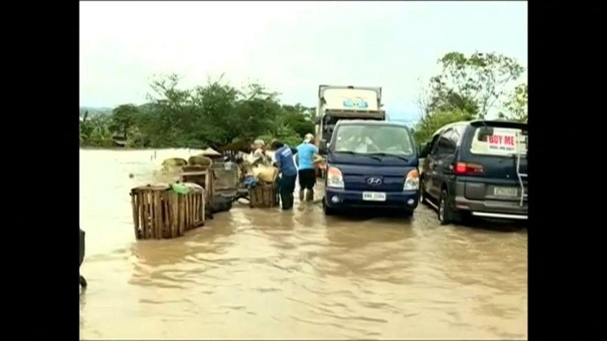 Filipinler'de tayfun felaketi: En az 200 ölü