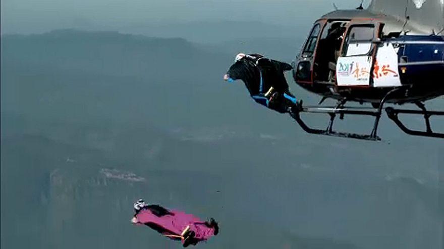 Coup d'envoi de la Coupe du monde de wingsuit