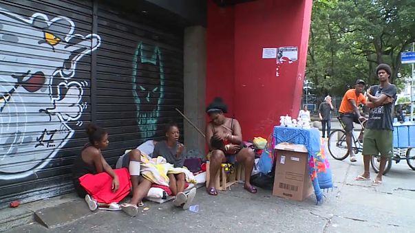 Drama da fome afeta Natal de milhões de brasileiros