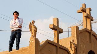 إعتقالات بعد هجوم على منزل يصلي فيه مسيحيون بقرية مصرية
