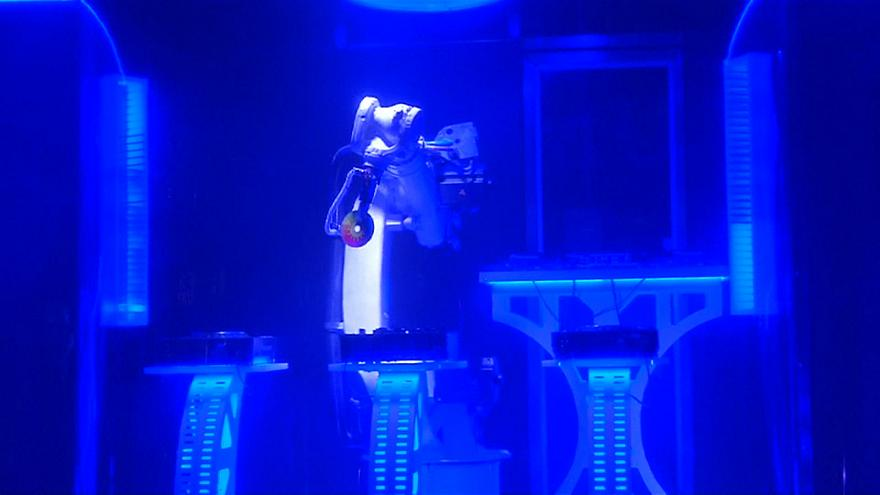 The Robot at Czech Club Karlovy Lazne