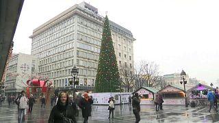 Árvore de Natal causa polémica em Belgrado