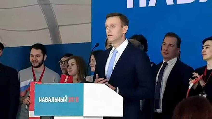 L'opposant Alexeï Navalny a remis ses signatures à la commission électorale