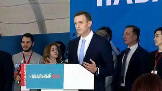 Putin opponent launches presidential bid
