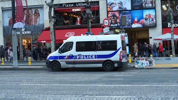 Sécurité : 97000 hommes déployés pendant les fêtes en France