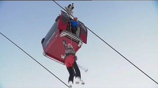 Spektakuläre Rettungsaktion: 150 Wintersportler bleiben in Seilbahn stecken