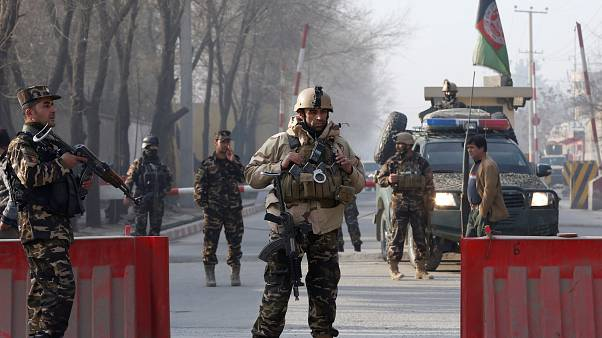 Afghanistan: 6 morti in un attacco kamikaze Isis a Kabul