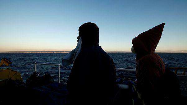 Πάτρα: Οι πρόσφυγες και το «παιχνίδι» της ζωής