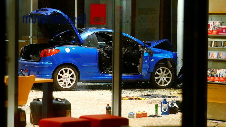 Βερολίνο: Αυτοκίνητο έπεσε πάνω στα γραφεία του SPD