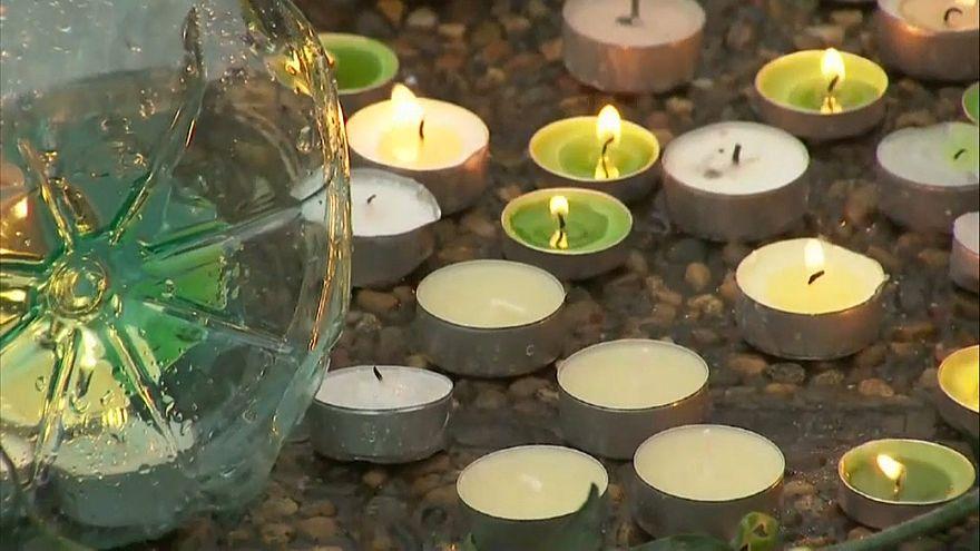 Rusya'da uçak kazasında ölen 92 kişi anıldı